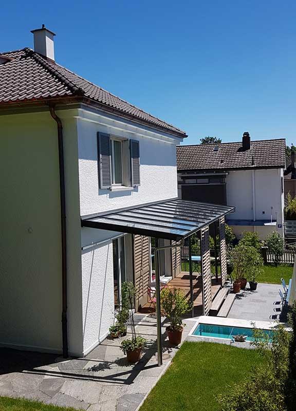 vordach f r eingang oder balkon carport und berdachung aus metall. Black Bedroom Furniture Sets. Home Design Ideas